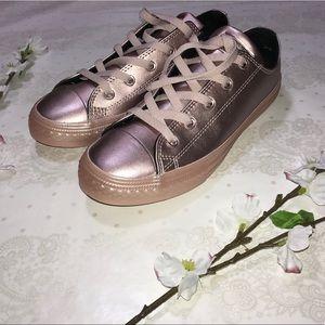 Metallic Pink Converse! 🌷